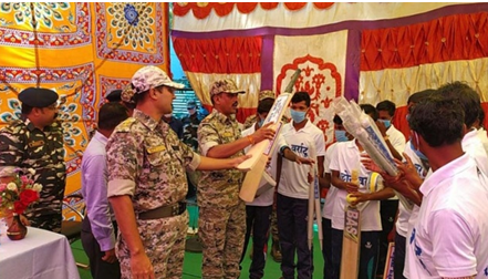 32 Naxalites including four prize surrenders in Chhattisgarh