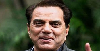 Bollywood's He-Man Dharmendra came out in support of farmers opposing the Agricultural Law