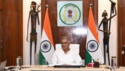CM Bhupesh told apology to Savarkar at the behest of Gandhi